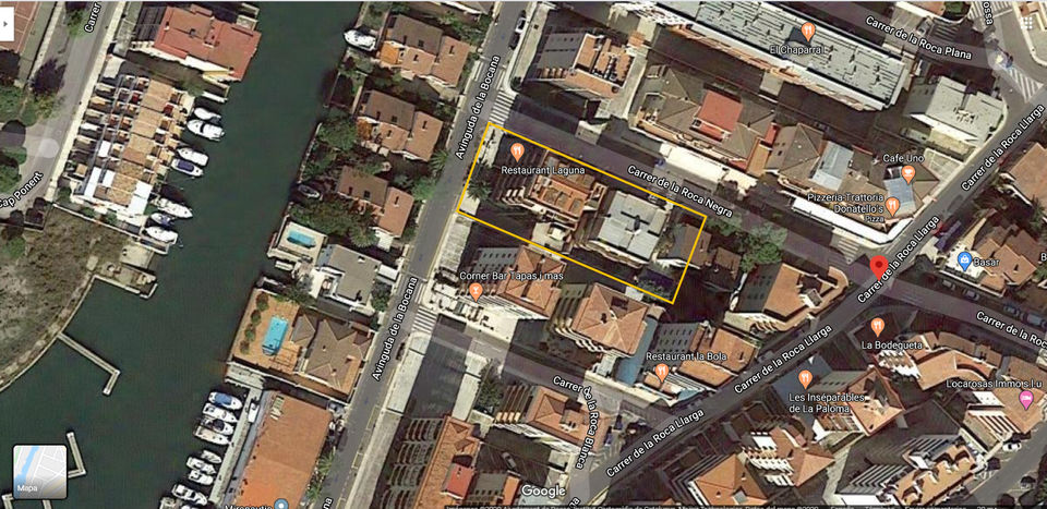 Plot with buildings in need of renovation (previously a hotel-pension, convertible into apartments) for sale