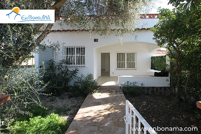Brand new renovated house, without stairs, in Roses (Mas Boscà)